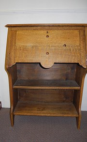 Narrow Oak Arts & Crafts Bureau