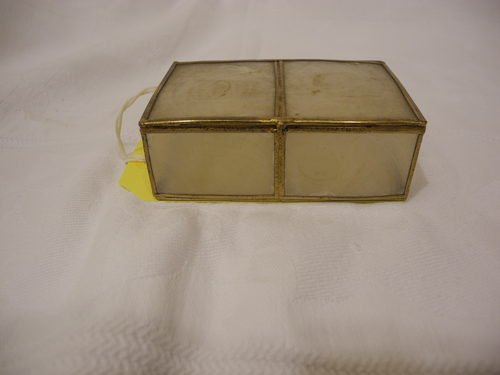 Oyster shell trinket box