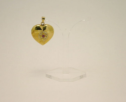 9ct Gold Heart shaped Pendant