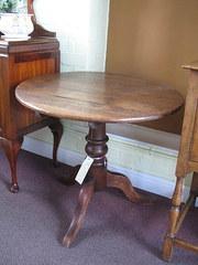 Oak circular  top table