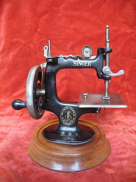 Miniture Sewing Machine