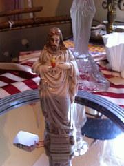 Christ Sacre Coeur Figurine