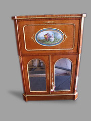 Victorian Satinwood Escoitaire