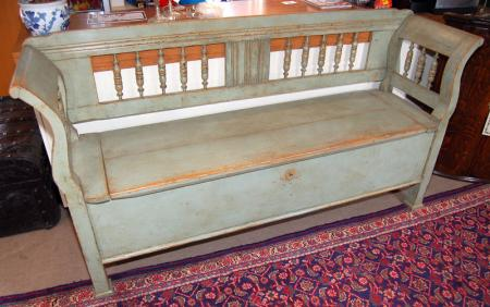 European Painted Box Settle