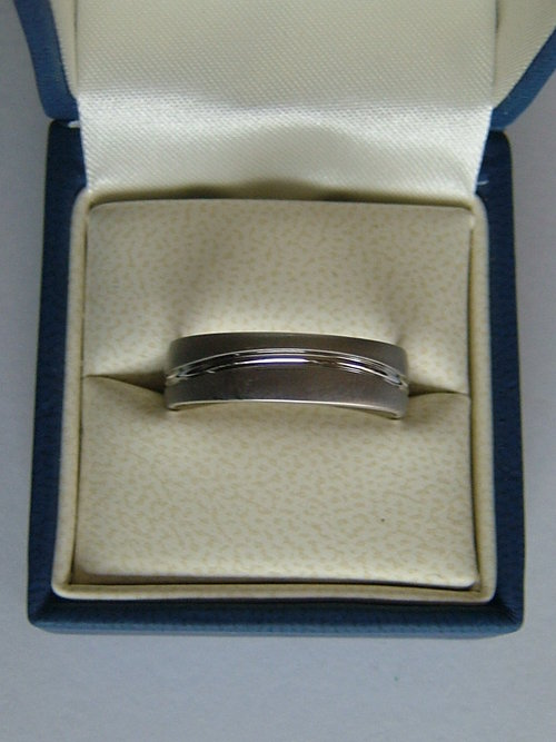 18CT White Gold Furrer Jacot Gent's Wedding Ring