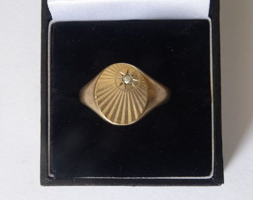 9ct Gold Diamond Gent's Signet Ring