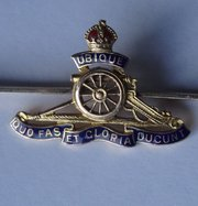 9CT Gold Enamel Royal Artillery Sweetheart Brooch