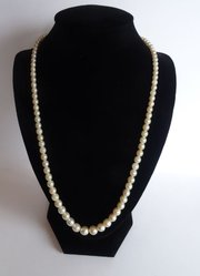 Graduated Cultured Pearl Necklace, 9CT Gold Clasp