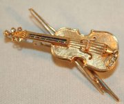 Lovely Diamond & Sapphire Gold Violin Brooch