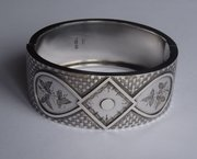 Victorian Silver Engraved Bangle, Birmingham c1882