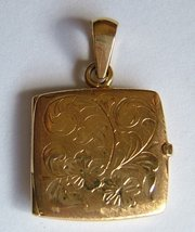 Vintage 18CT Gold Decorative Locket, London c1979