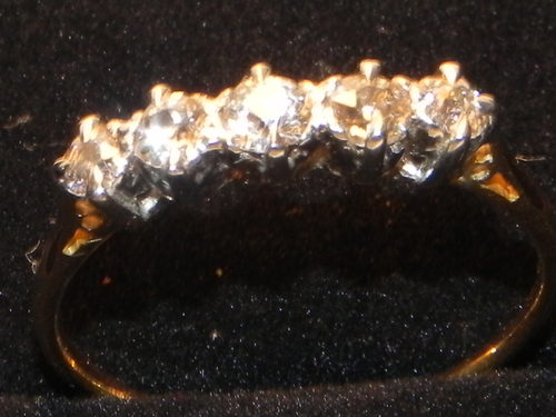 1920's 18ct & 5 Diamond Gold Ring