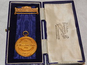 Solid Gold 1932 ICI 40yr Service Medal