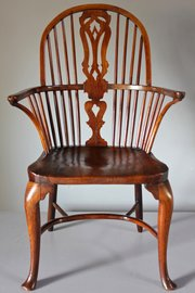 18th Century Cabriole Leg Windsor Armchair. T985