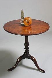 18th Century Mahogany Tripod Table. U243