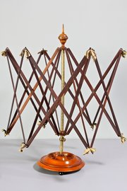 19th Century Treen Woolwinder. G369