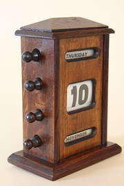 Early 20th Century Oak Desk Calendar.