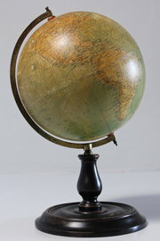 Early 20th Century Philips 9 inch Terrestrial Globe