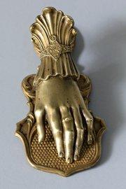 J & E Ratcliff Victorian Brass Letter Clip. T225
