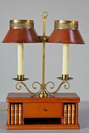 Vintage Leather Covered Table Lamp. U16