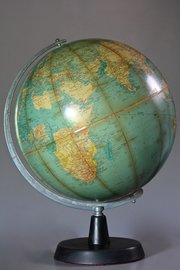 Vintage Philips Challenge Globe. U87