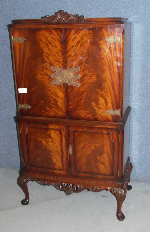 1940s Mahogany drinks cabinet