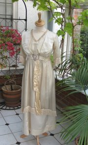 Antique Reception Gown c.1901 in silk satin