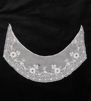 Antique White Work Collar, early 19th Century