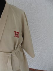Vintage Kimono in natural silk, embroidered