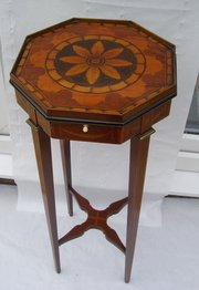 A rare Antique Sheraton style Mahogany Urn Stand
