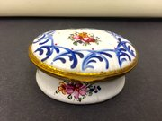 Bilston Enamel Snuff / Patch box circa 1810