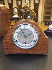 C 1938 Art Deco mantle clock.